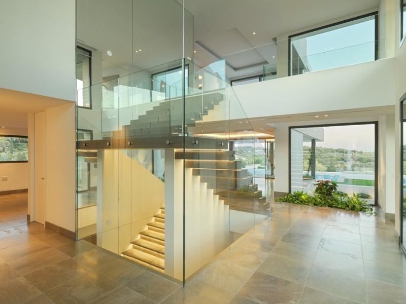 Starway to upper floor and basement
