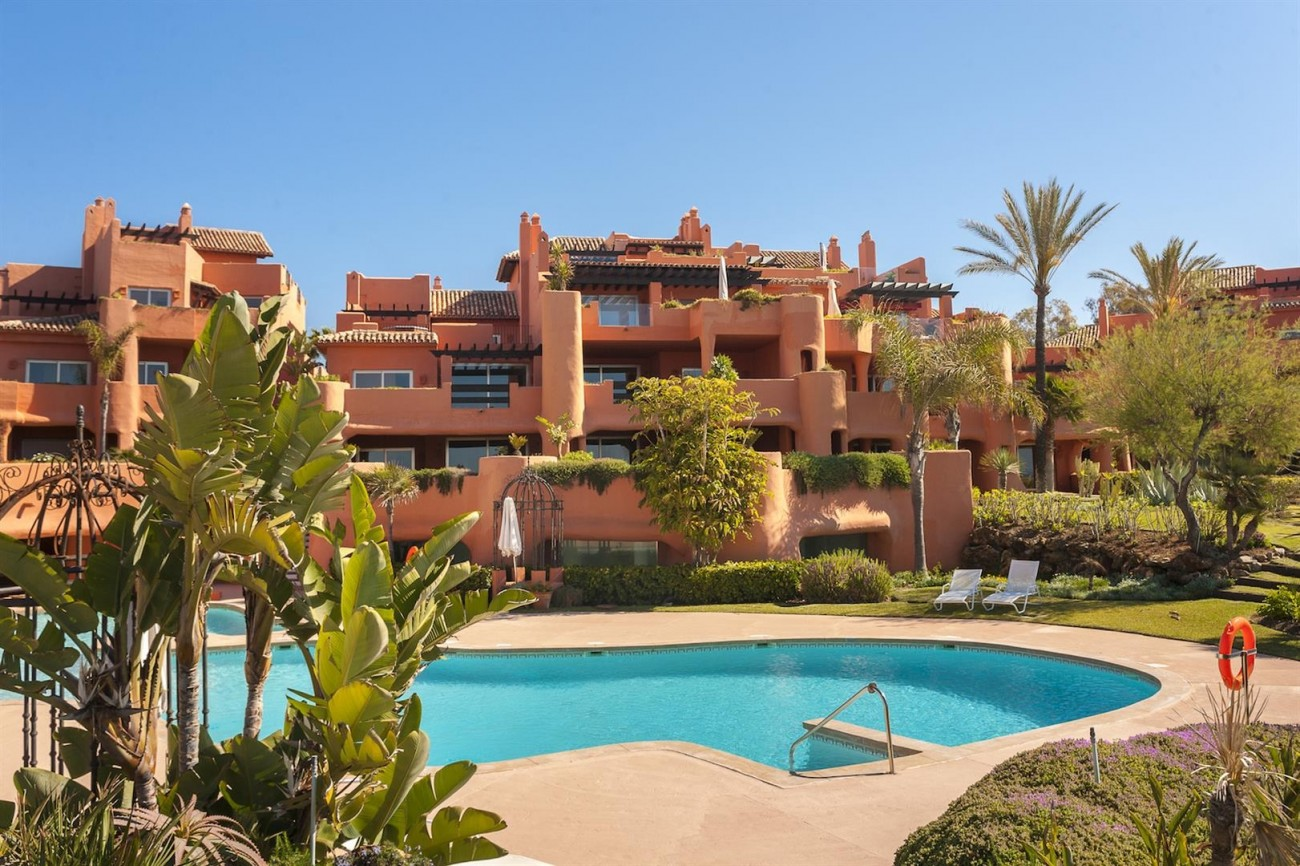 D2073 Luxury Frontline Beach Apartment Marbella Spain (15) (Large)