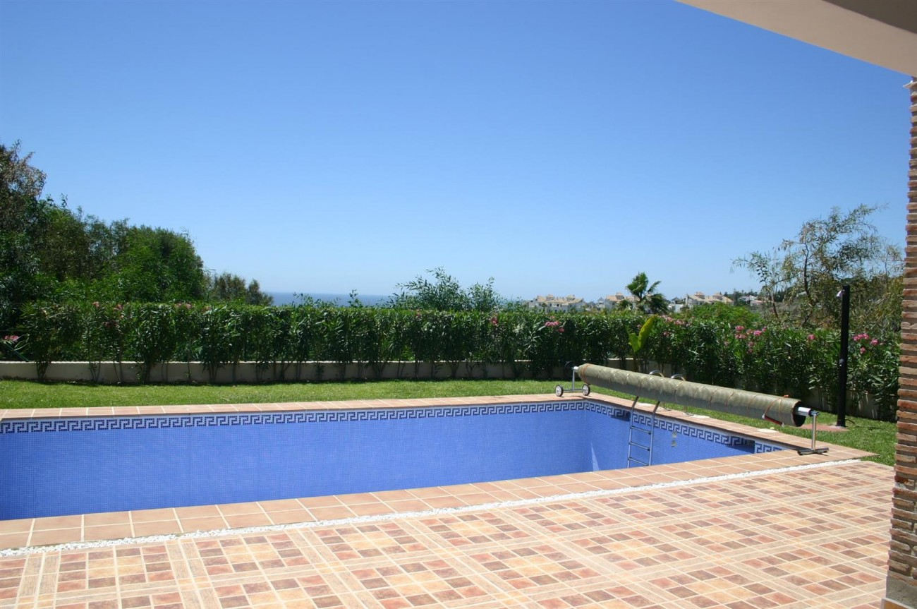 V2209 Luxury Villa in Benahavis Malaga (2)