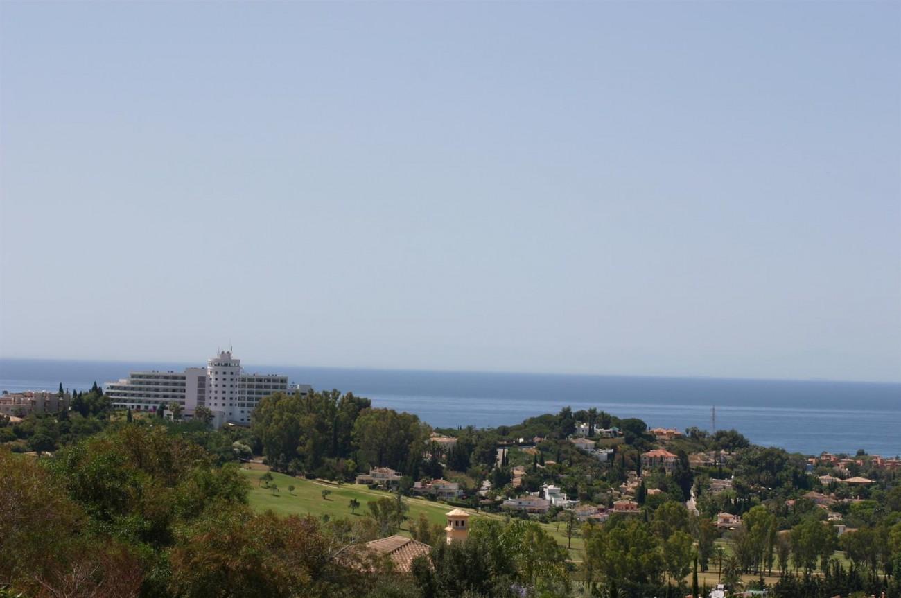 V2209 Luxury Villa in Benahavis Malaga (4)