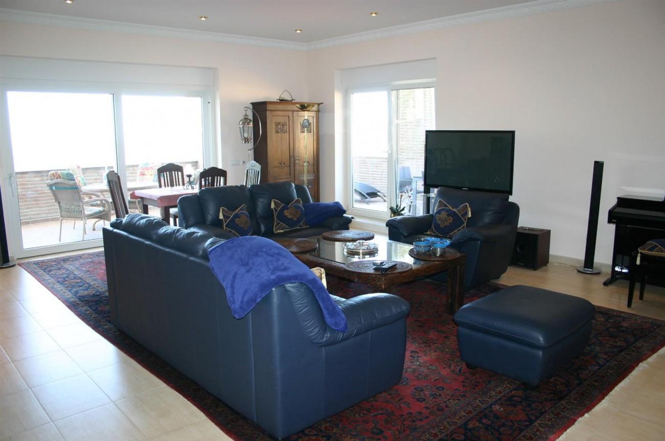 V2209 Luxury Villa in Benahavis Malaga (6)