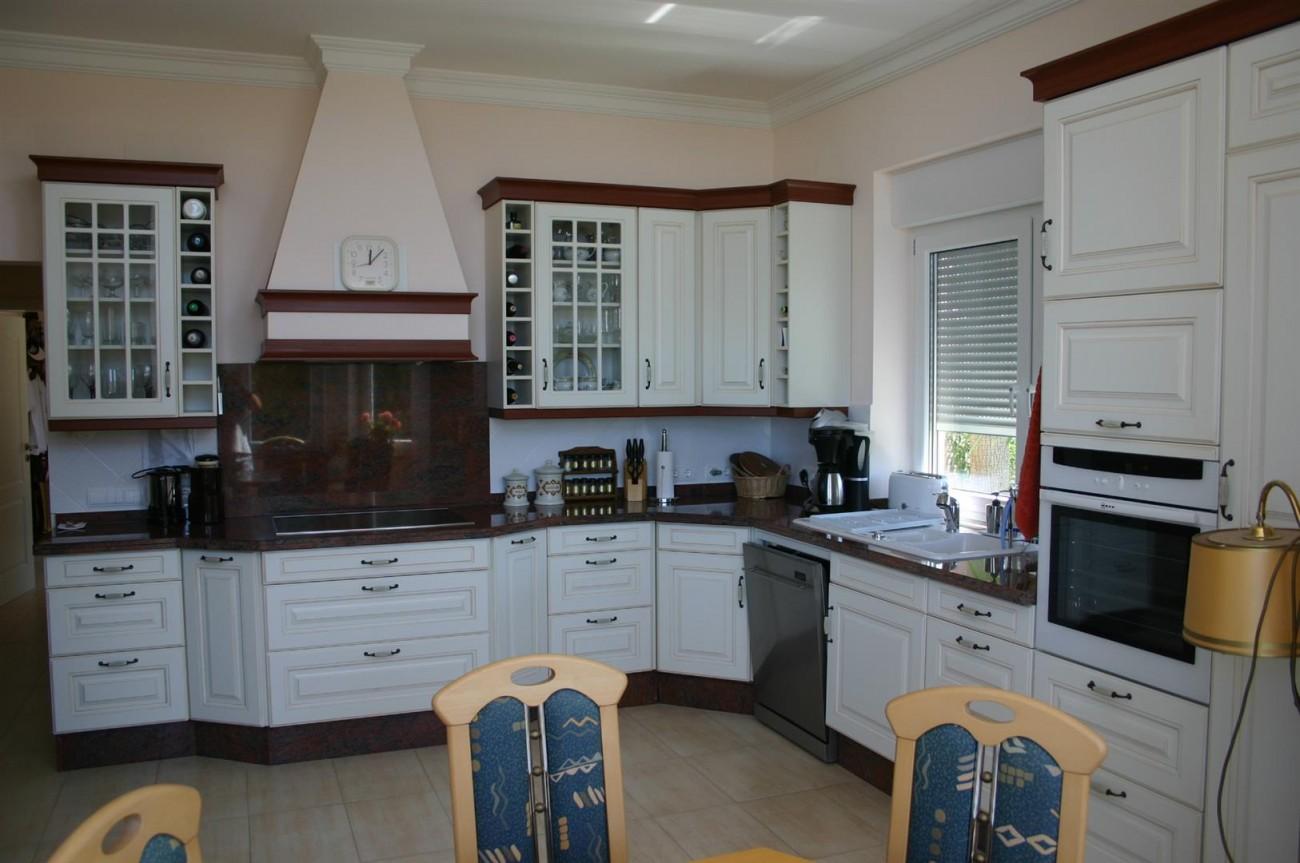 V2209 Luxury Villa in Benahavis Malaga (8)
