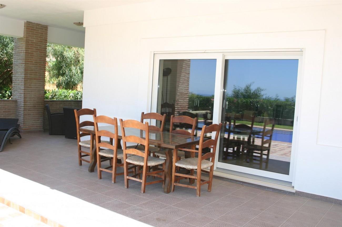 V2209 Luxury Villa in Benahavis Malaga (11)