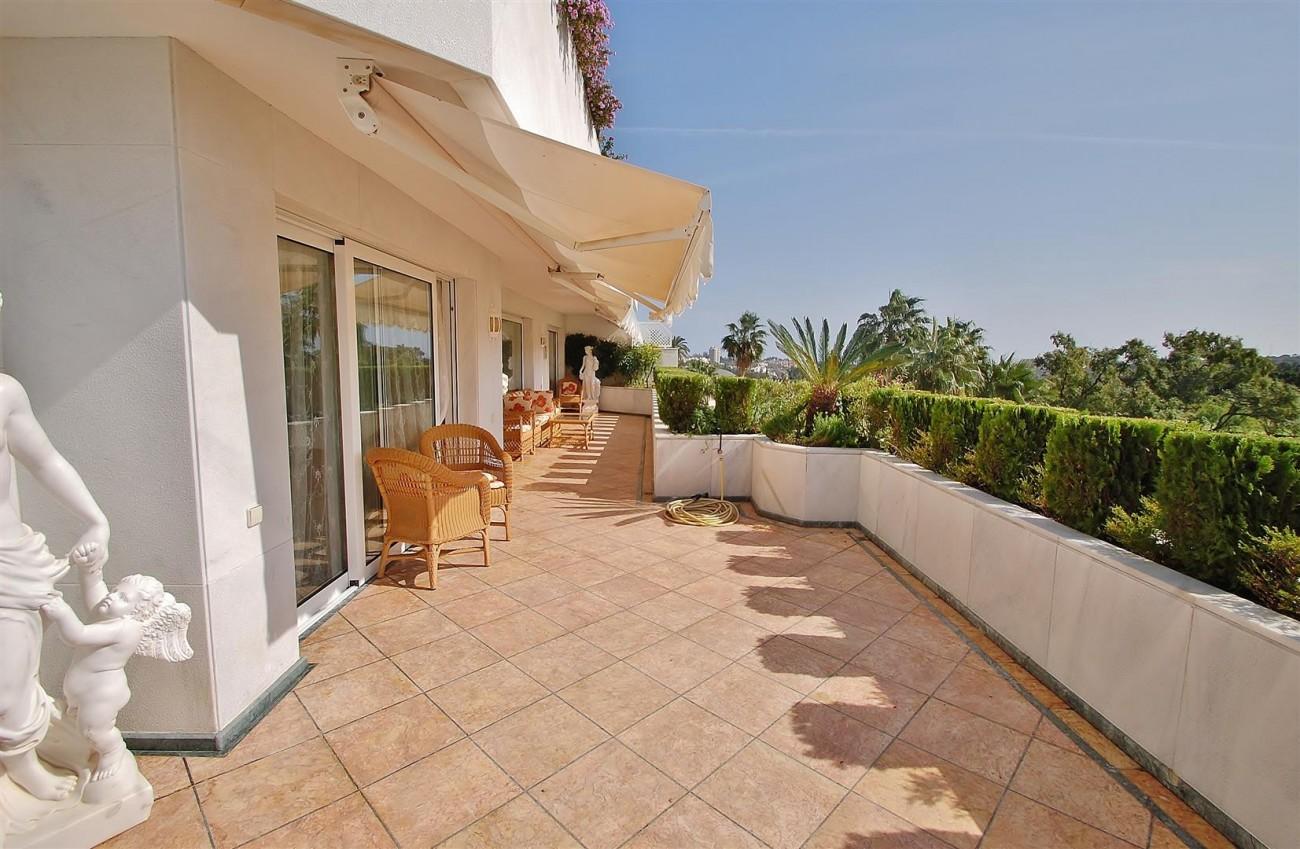 Frontline Golf Penthouse Nueva Andalucia Marbella (2) (Large)
