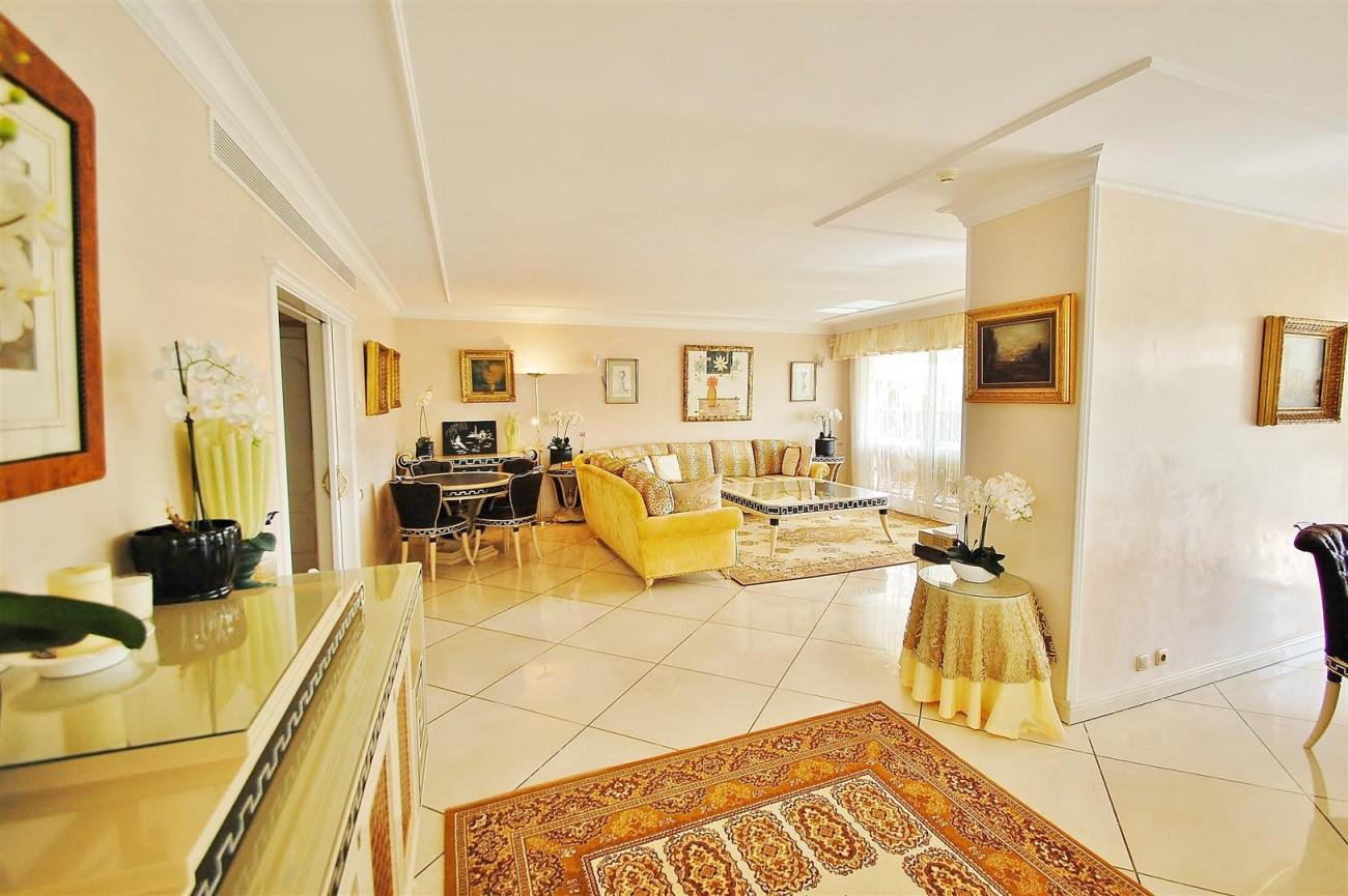 Frontline Golf Penthouse Nueva Andalucia Marbella (4) (Large)
