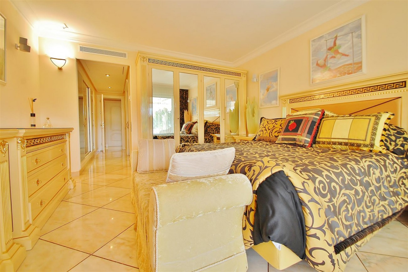 Frontline Golf Penthouse Nueva Andalucia Marbella (8) (Large)