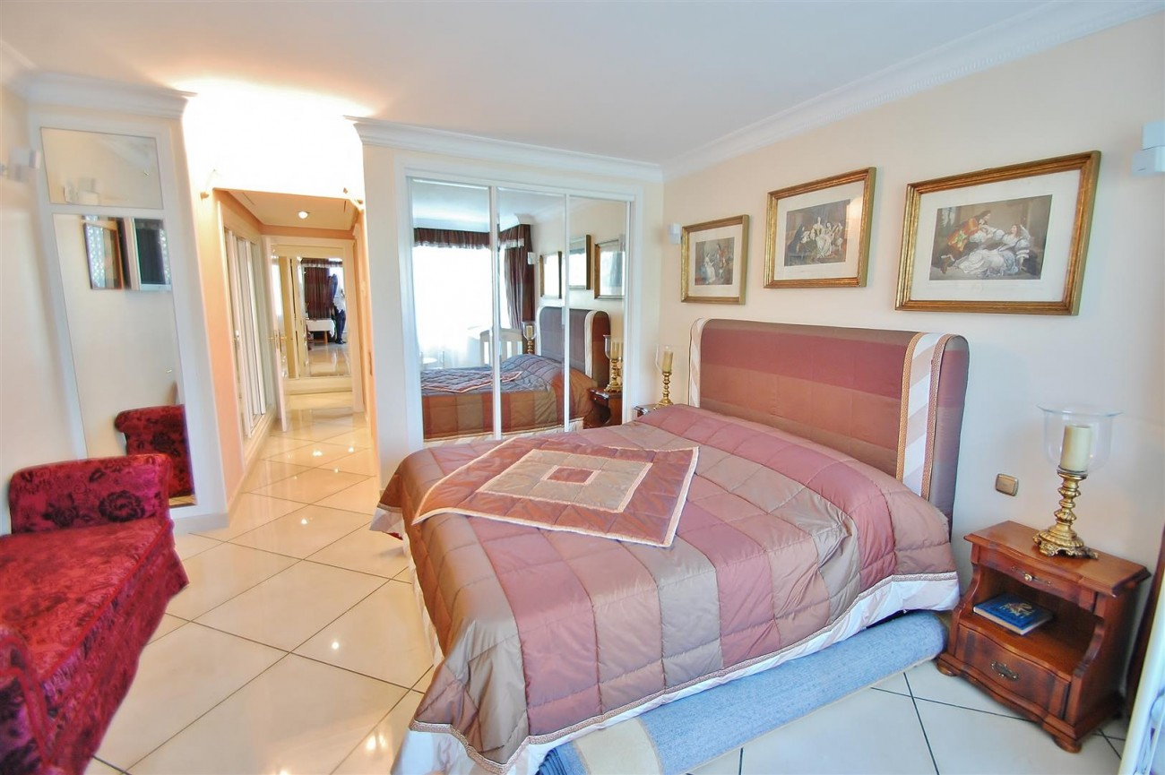 Frontline Golf Penthouse Nueva Andalucia Marbella (10) (Large)