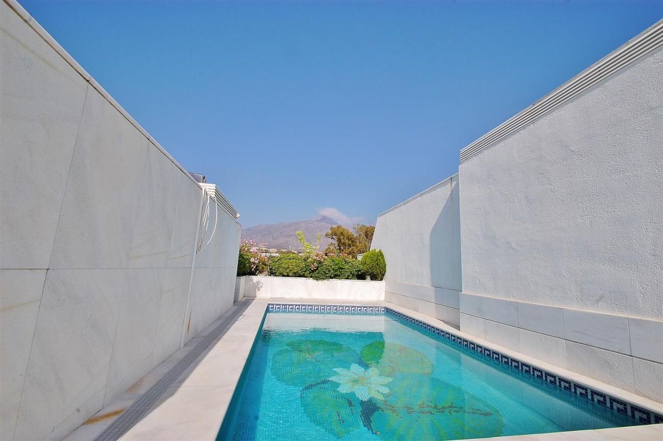 Frontline Golf Penthouse Nueva Andalucia Marbella (15) (Large)