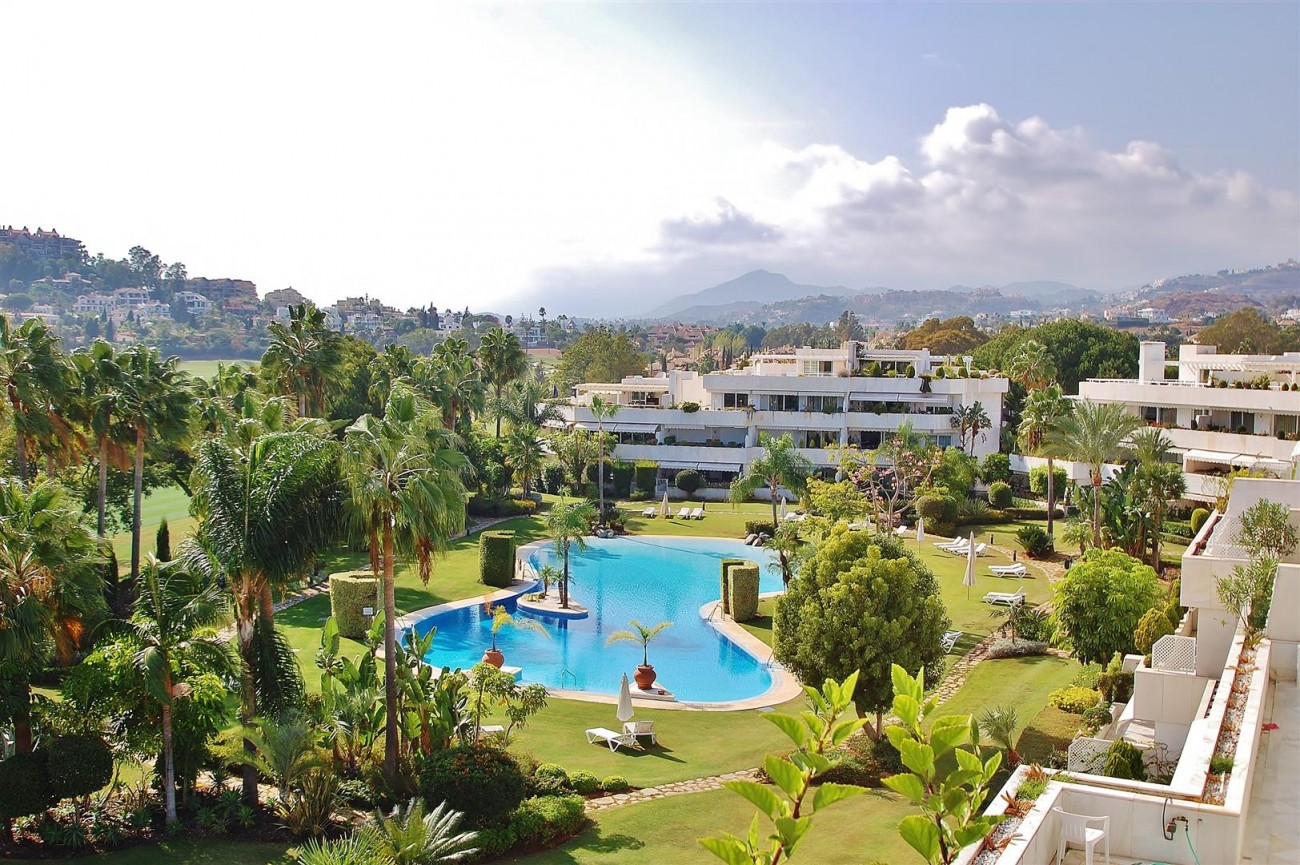 Frontline Golf Penthouse Nueva Andalucia Marbella (18) (Large)