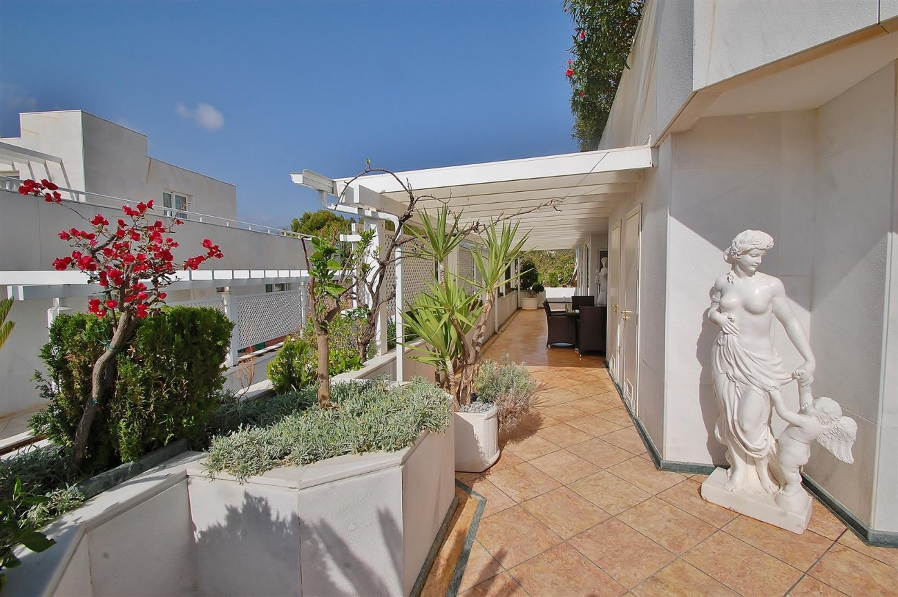 Frontline Golf Penthouse Nueva Andalucia Marbella (19) (Large)