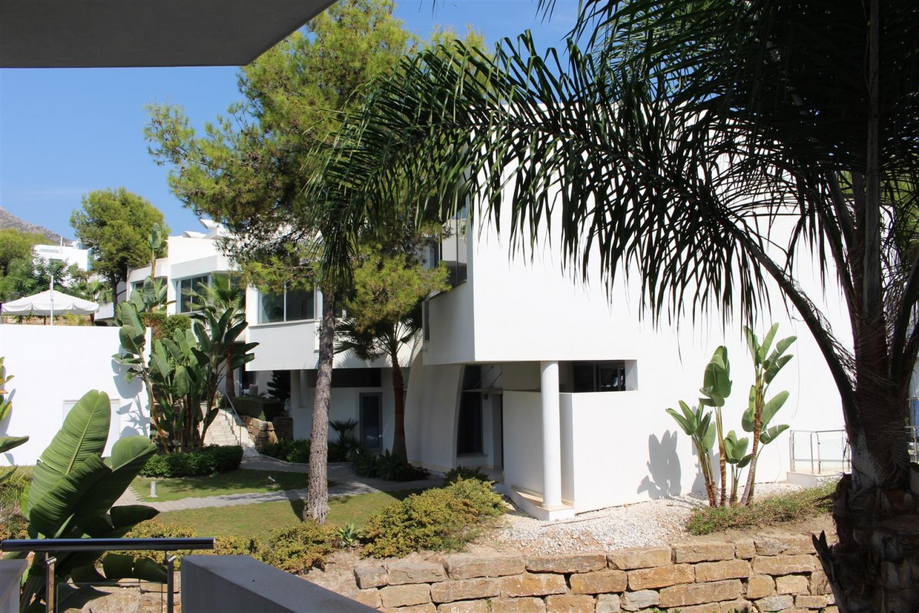 Luxury Contemporary Townhouse for sale Marbella Golden Mile (6) (Large)