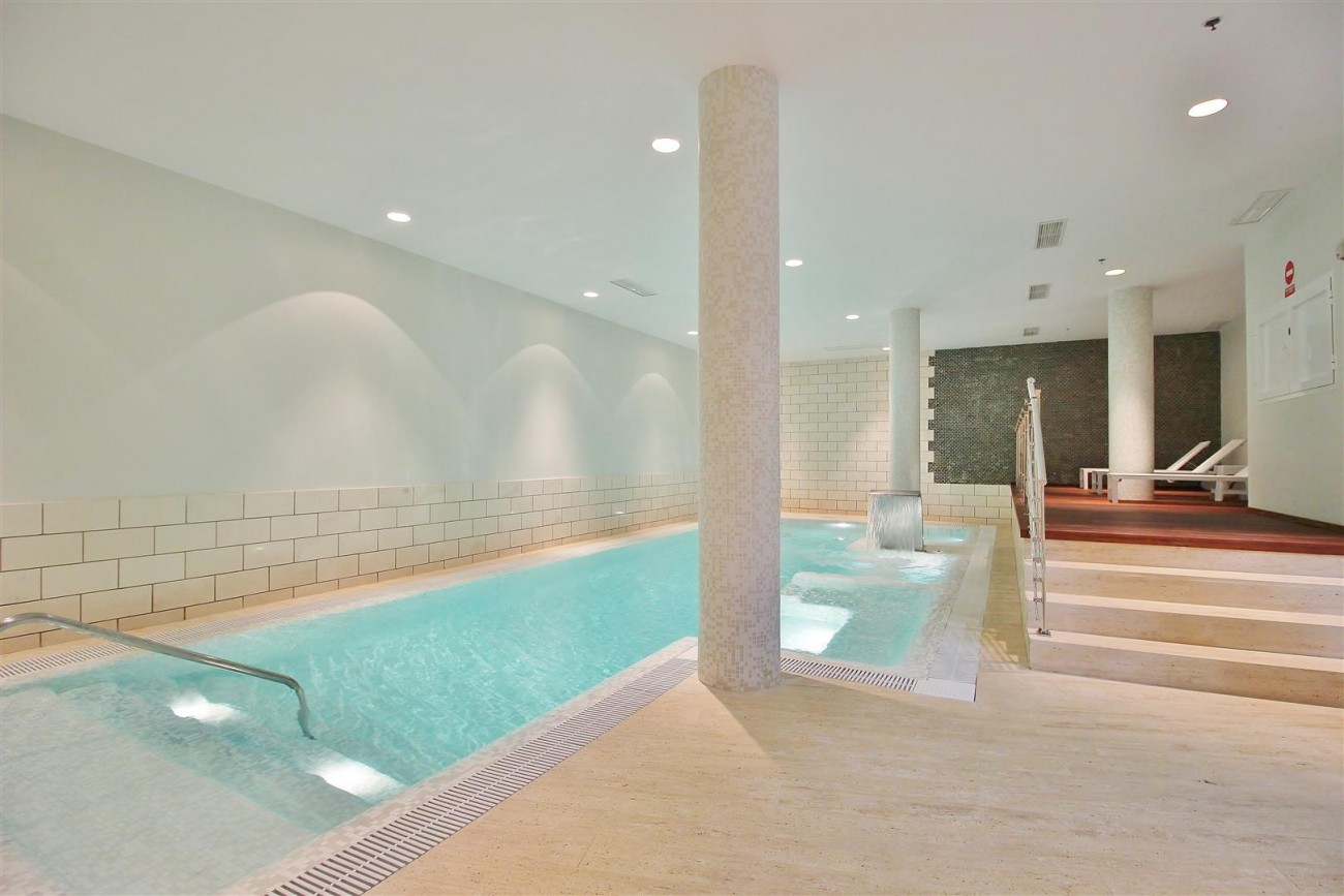 Luxury Contemporary Townhouse for sale Marbella Golden Mile Spain (19) (Large)