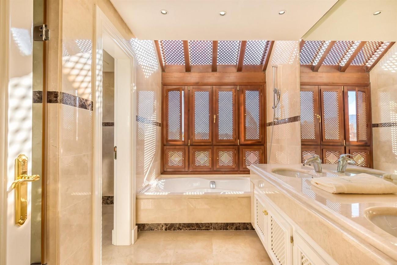 Luxury Apartments close to Puerto Banus Marbella Spain (5) (Large)