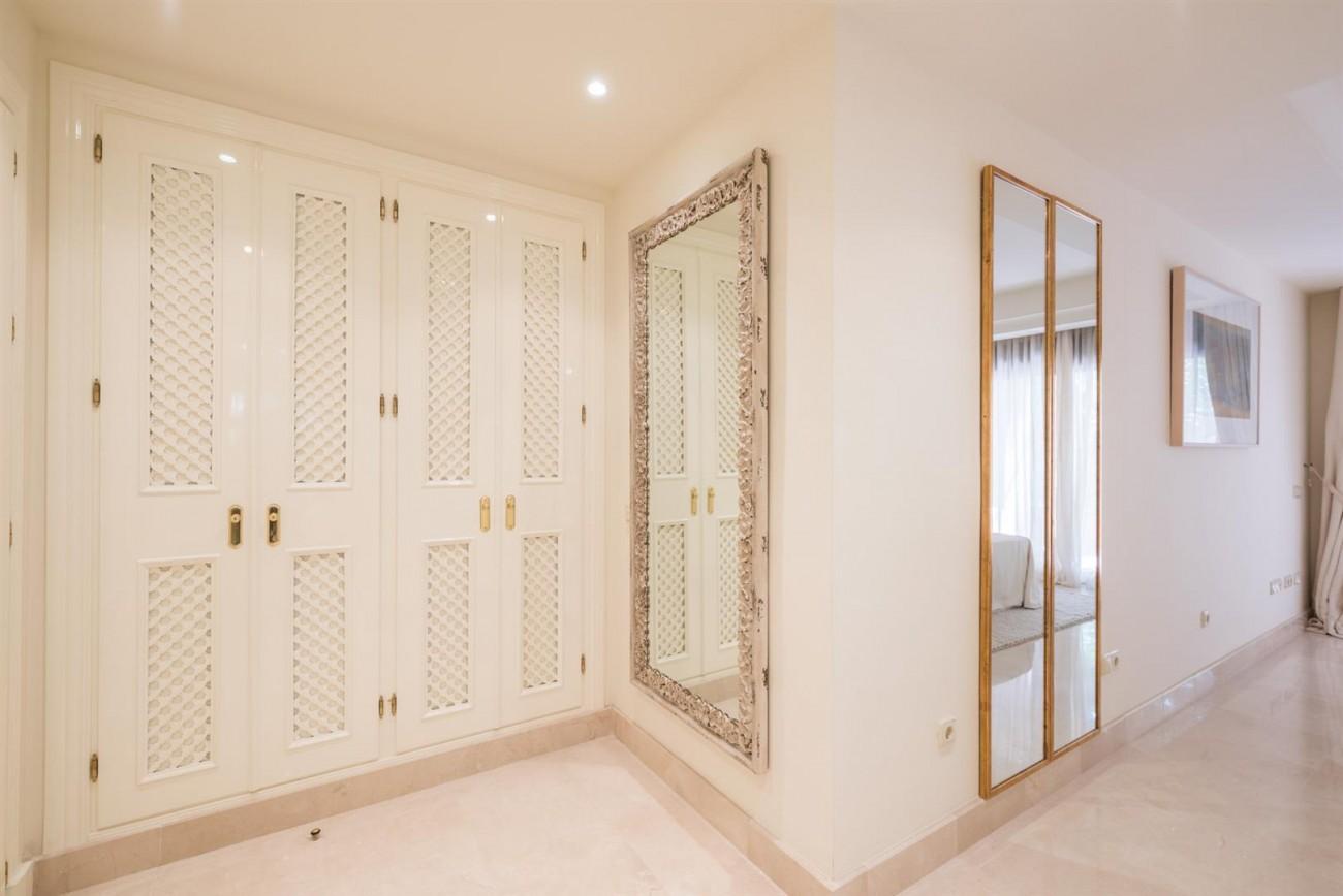 Luxury Apartments close to Puerto Banus Marbella Spain (61) (Large)
