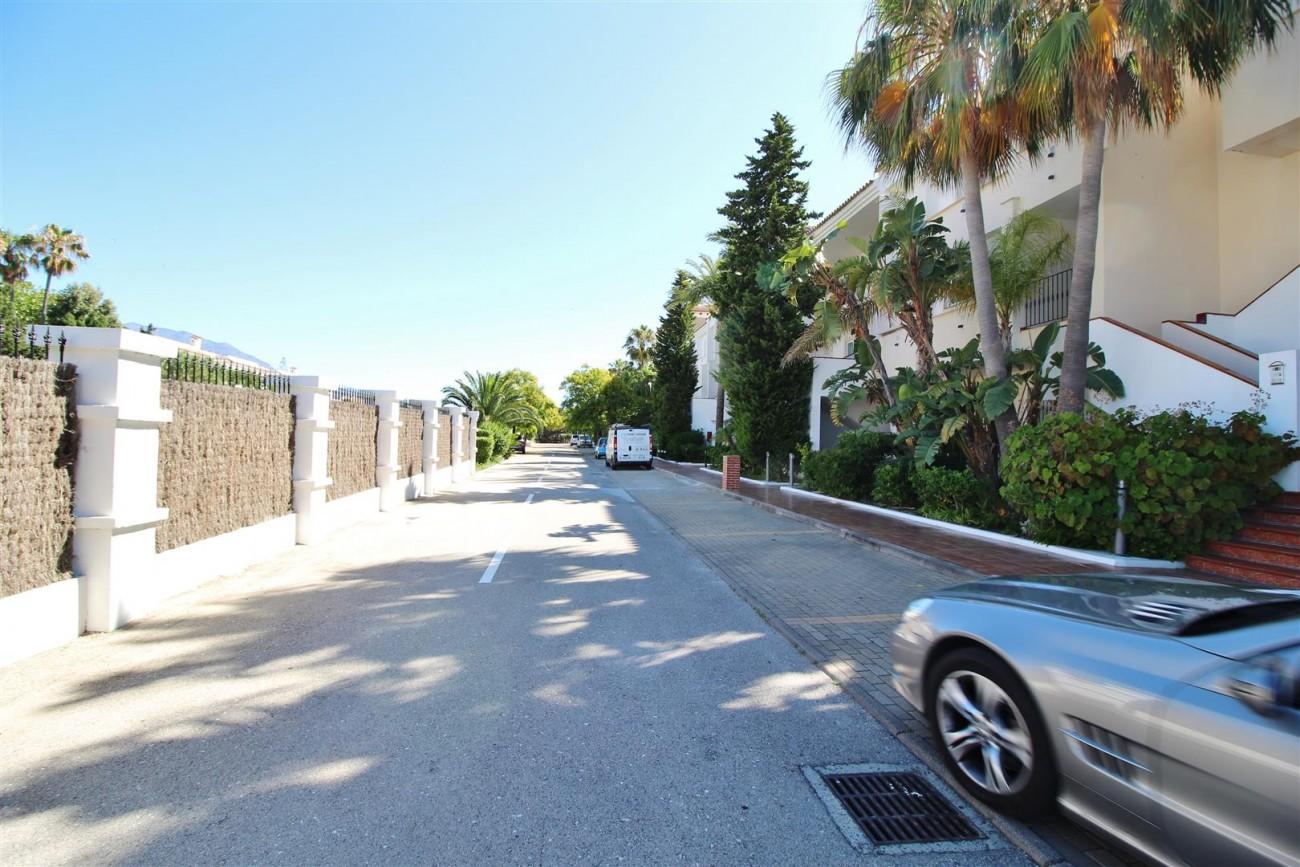 Beachfront Penthouse for sale Estepona Spain  (2)