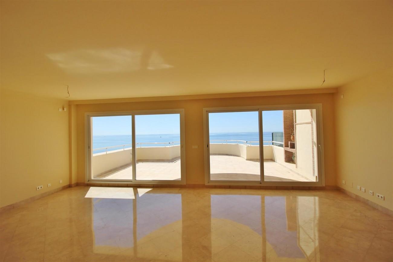 Beachfront Penthouse for sale Estepona Spain  (4)