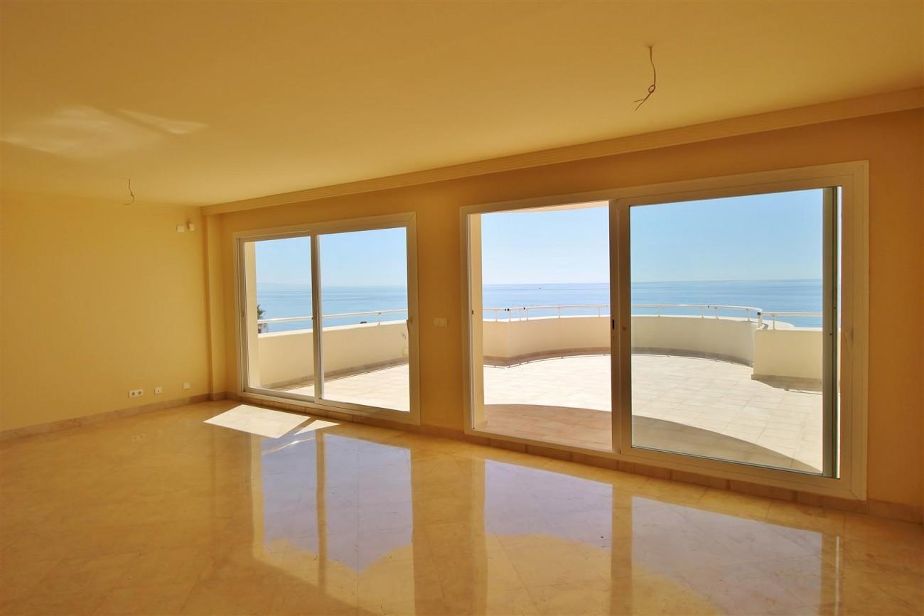 Beachfront Penthouse for sale Estepona Spain  (12)