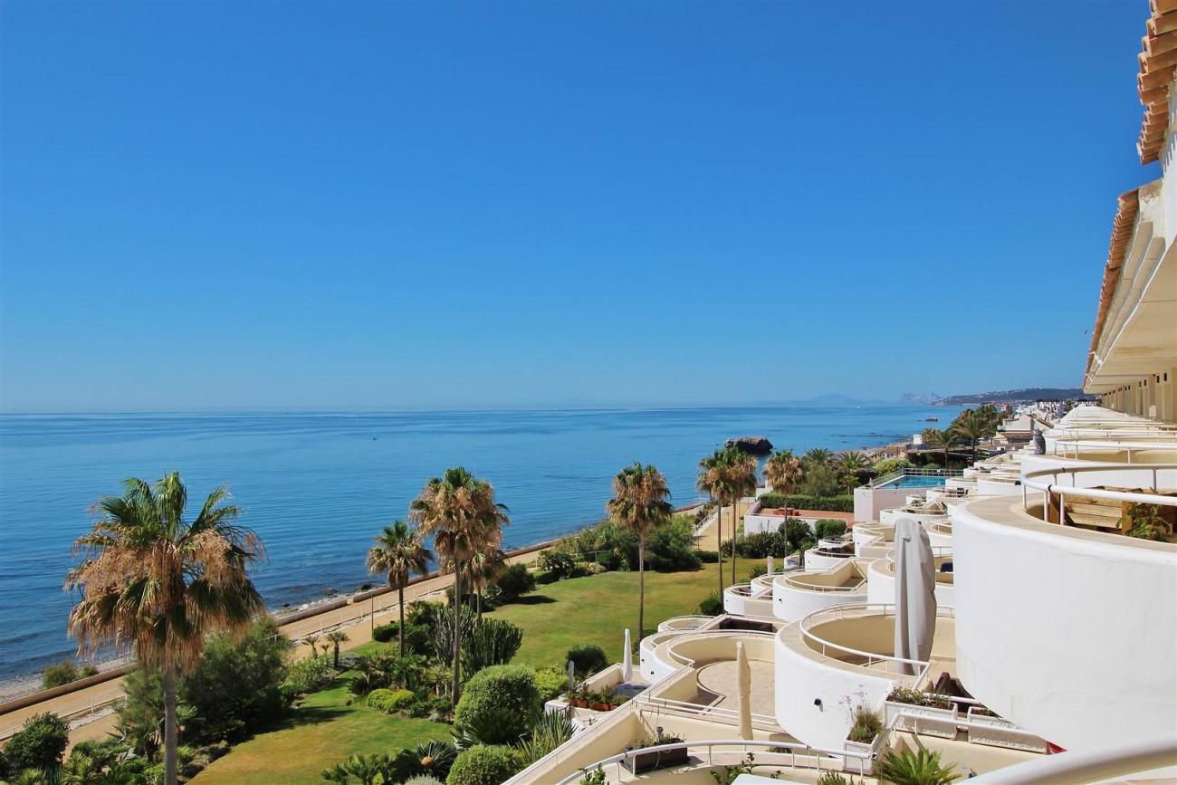 Beachfront Penthouse for sale Estepona Spain  (14)