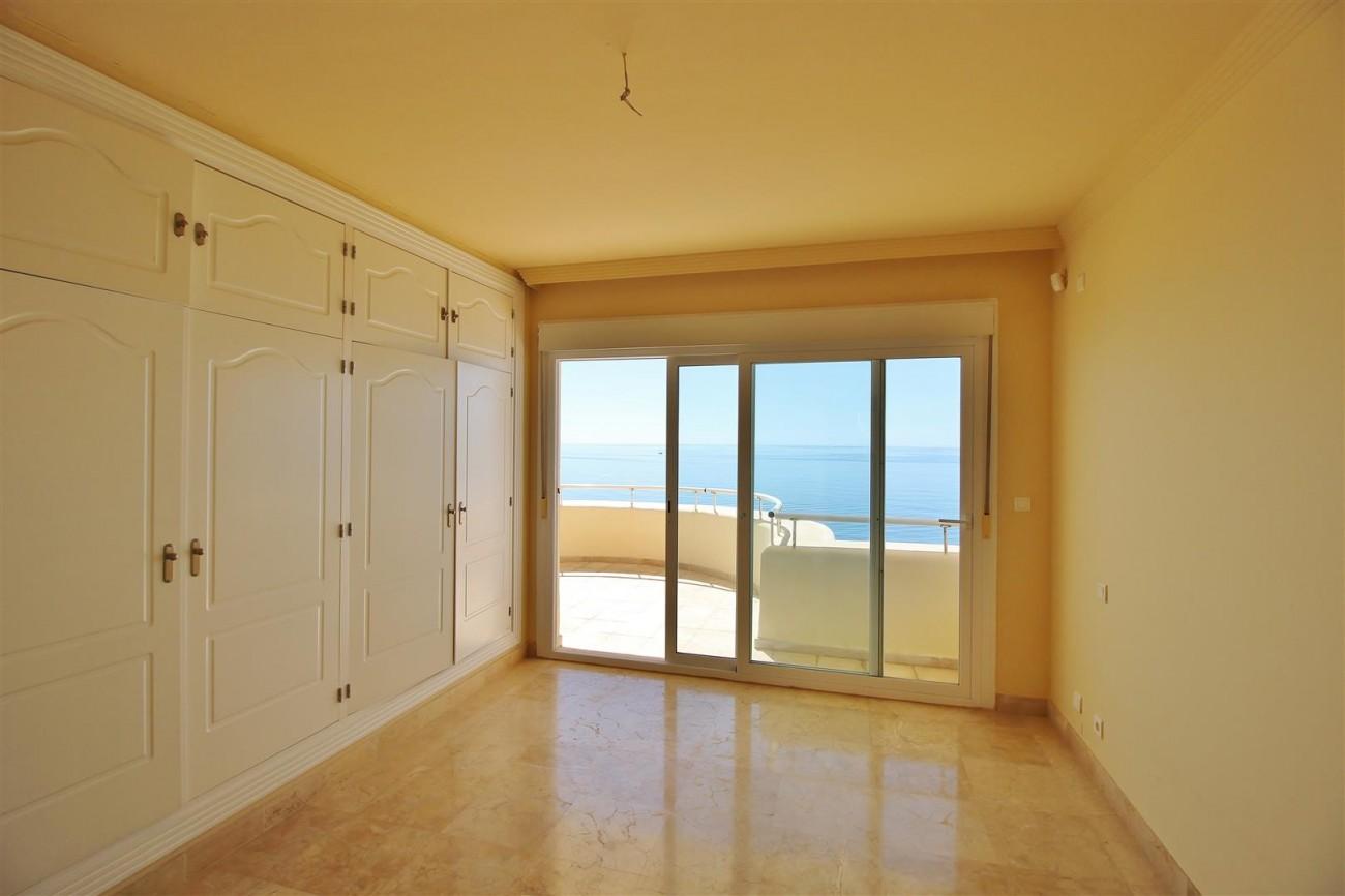Beachfront Penthouse for sale Estepona Spain  (17)