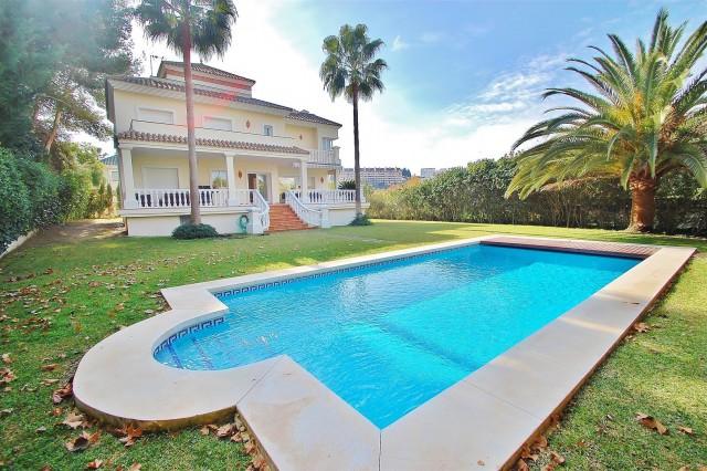 Villa for Sale - from 1.795.000€ - Nueva Andalucía, Costa del Sol - Ref: 2684