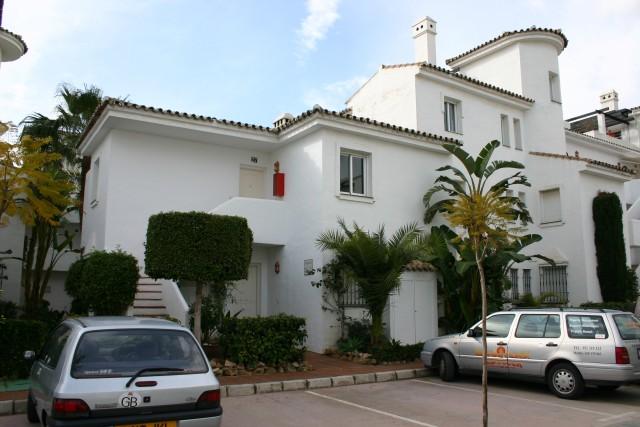 Apartment for Rent - 600€/week - Nueva Andalucía, Costa del Sol - Ref: 2794