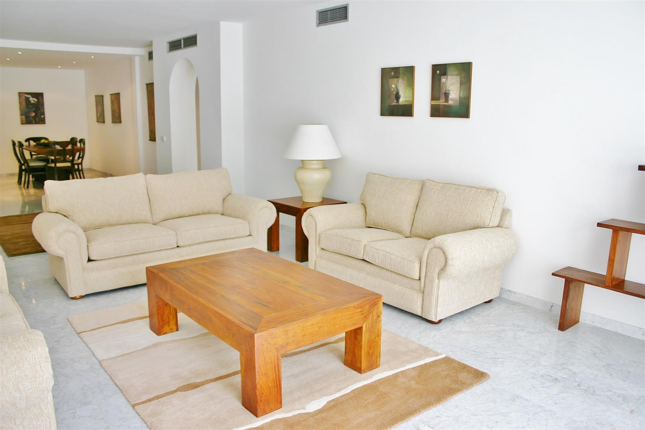 A2851 Luxury Apartment Fronline Beach Puerto Banus (7) (Large)