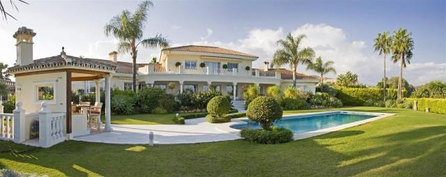 Villa for Sale - 4.500.000€ - Nueva Andalucía, Costa del Sol - Ref: 2875