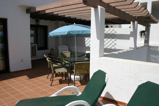 Apartment for Rent - 700€/month - Nueva Andalucía, Costa del Sol - Ref: 2950