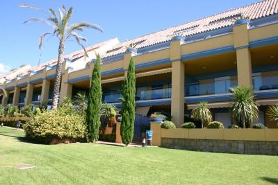 337587 - Apartment For sale in Bahía de Marbella, Marbella, Málaga, Spain