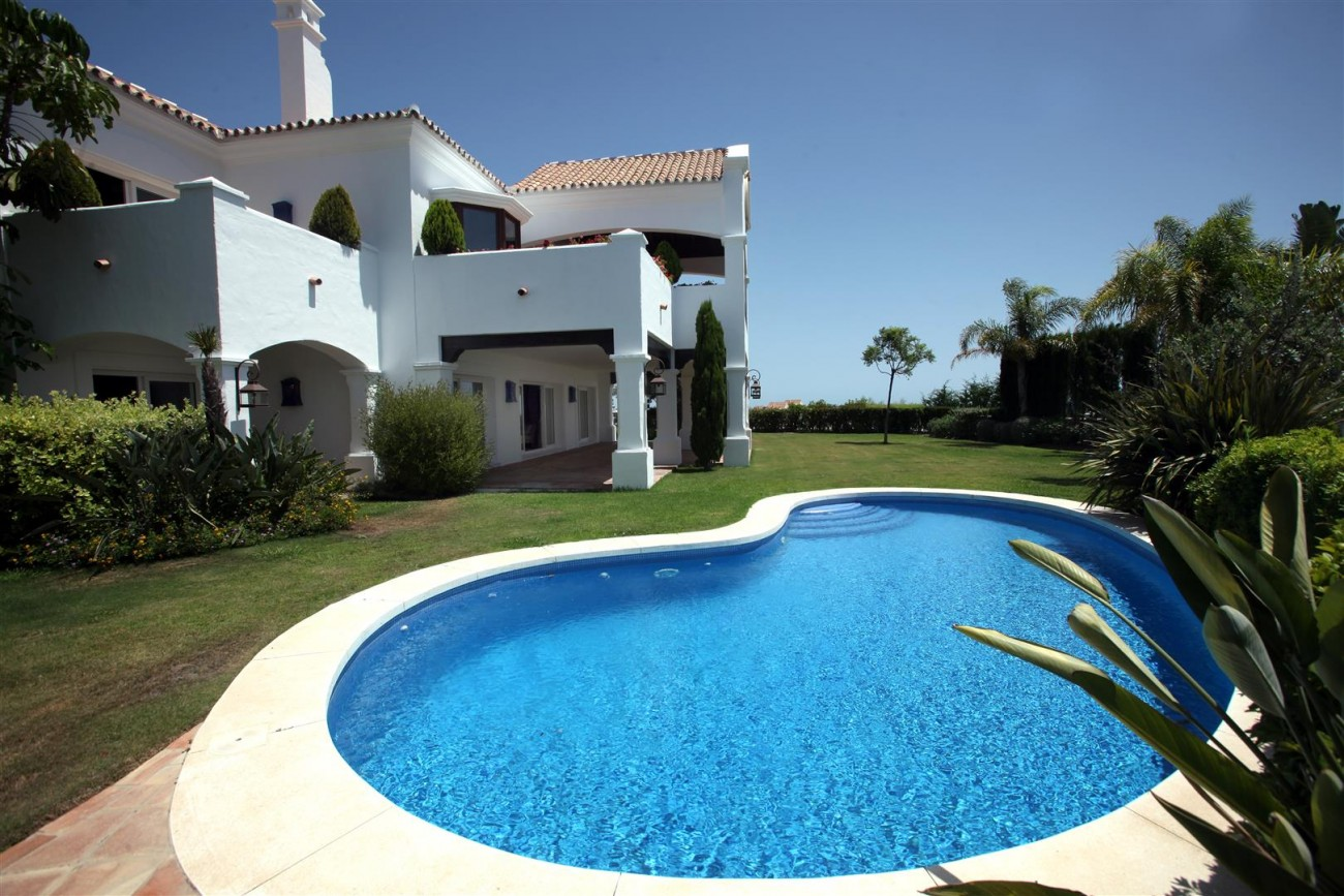 V2977 Luxury Villa in Benahavis Costa del Sol Spain (9) (Large)