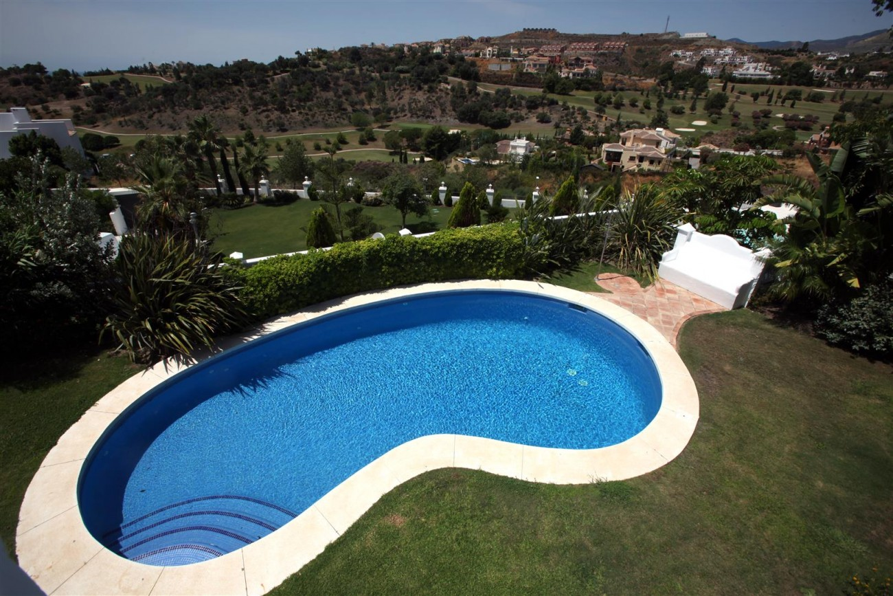 V2977 Luxury Villa in Benahavis Costa del Sol Spain (13) (Large)