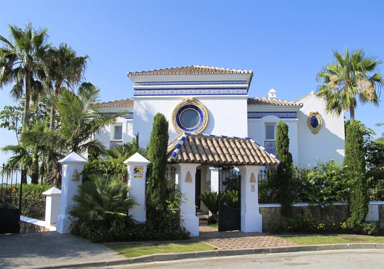 V2977 Luxury Villa in Benahavis Costa del Sol Spain (16) (Large)