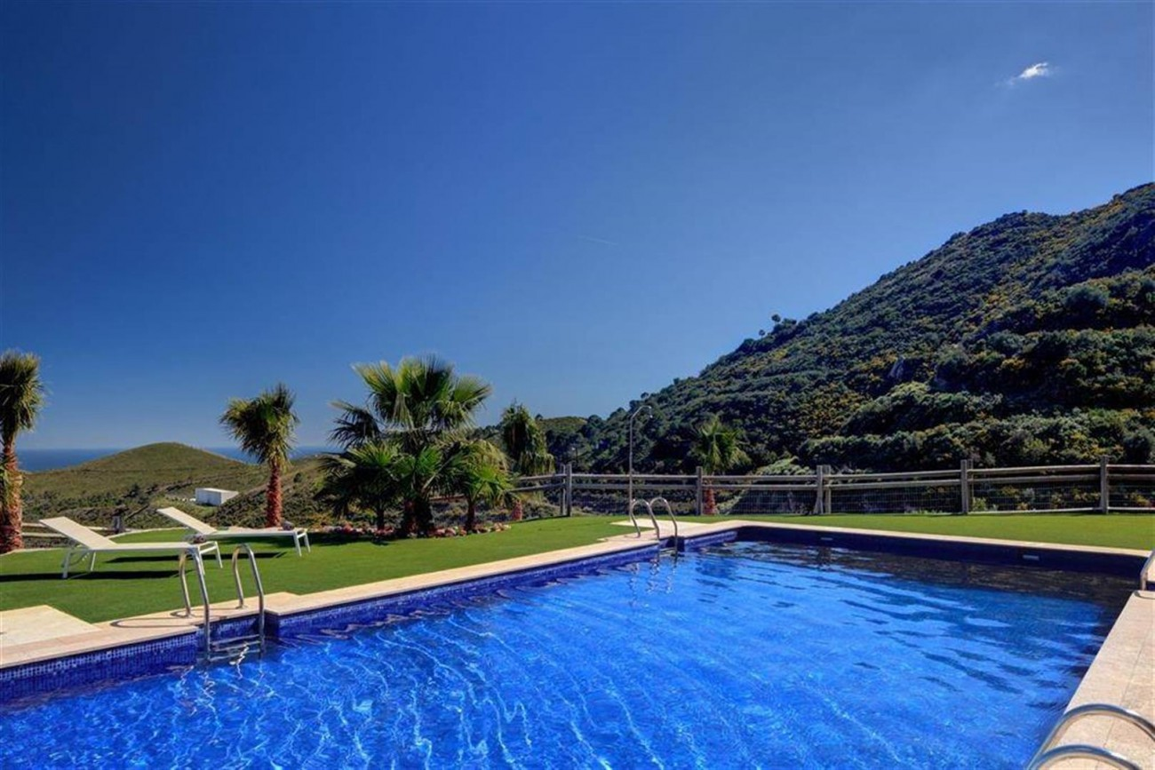 D3012 Luxury brand new villas Benahavis  (1) (Large)