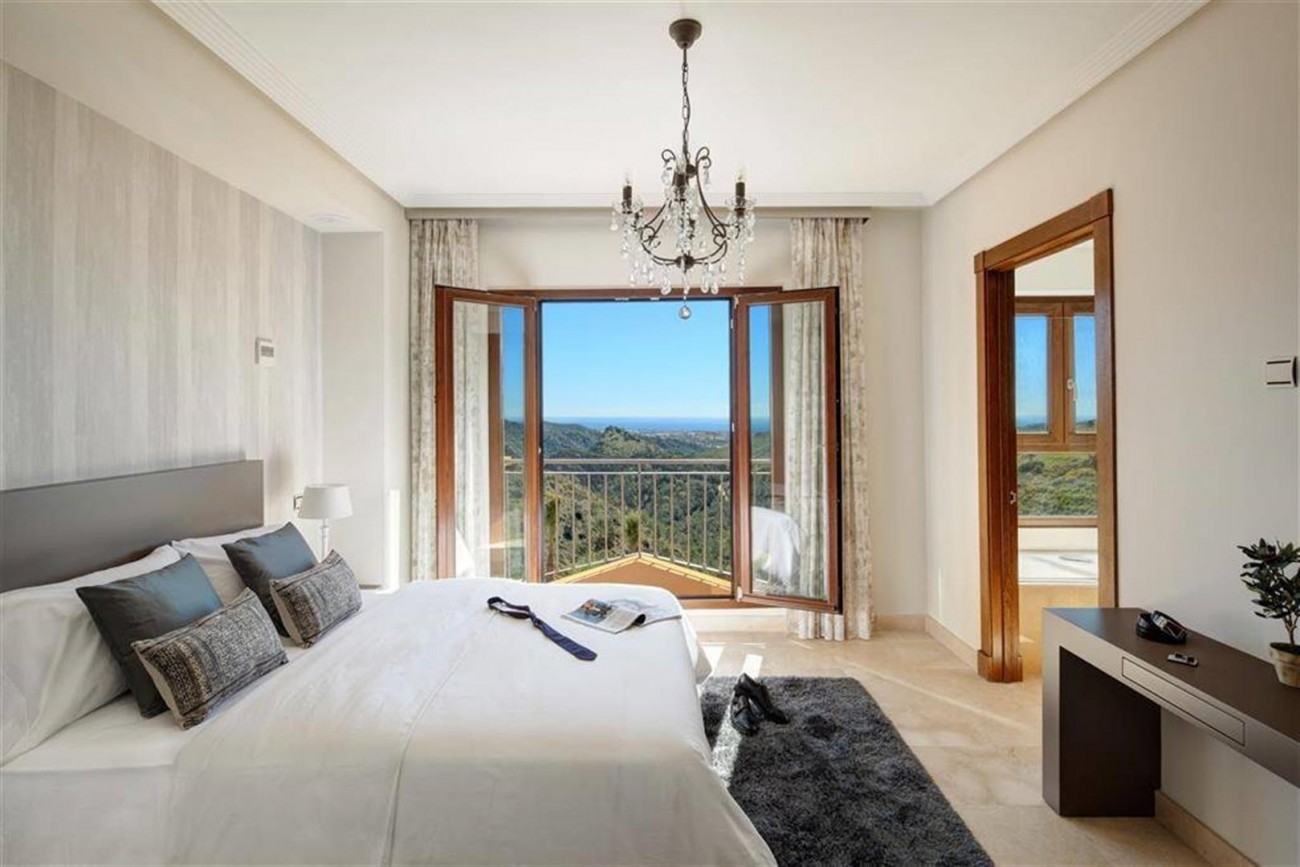 D3012 Luxury brand new villas Benahavis  (10) (Large)