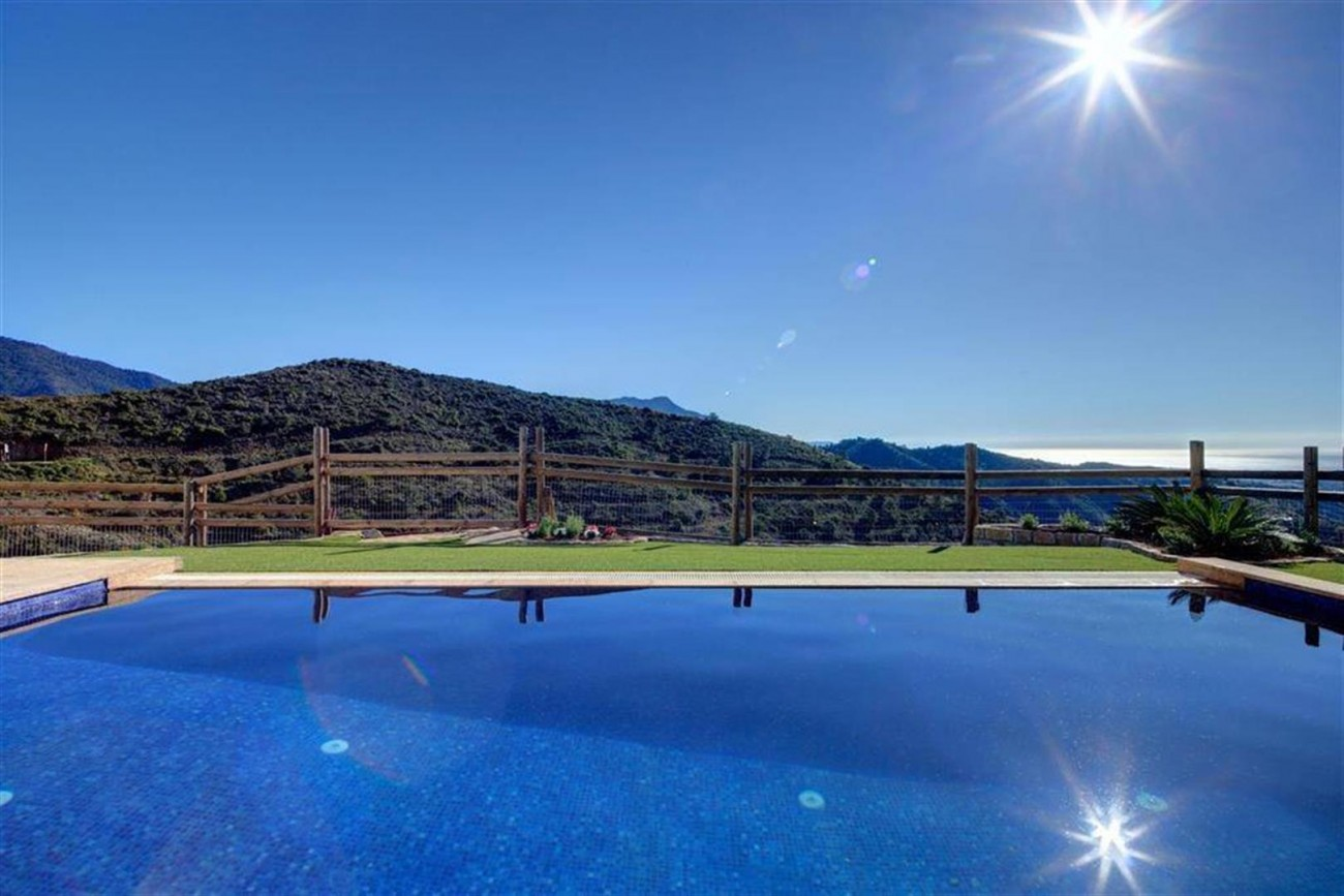 D3012 Luxury brand new villas Benahavis  (16) (Large)
