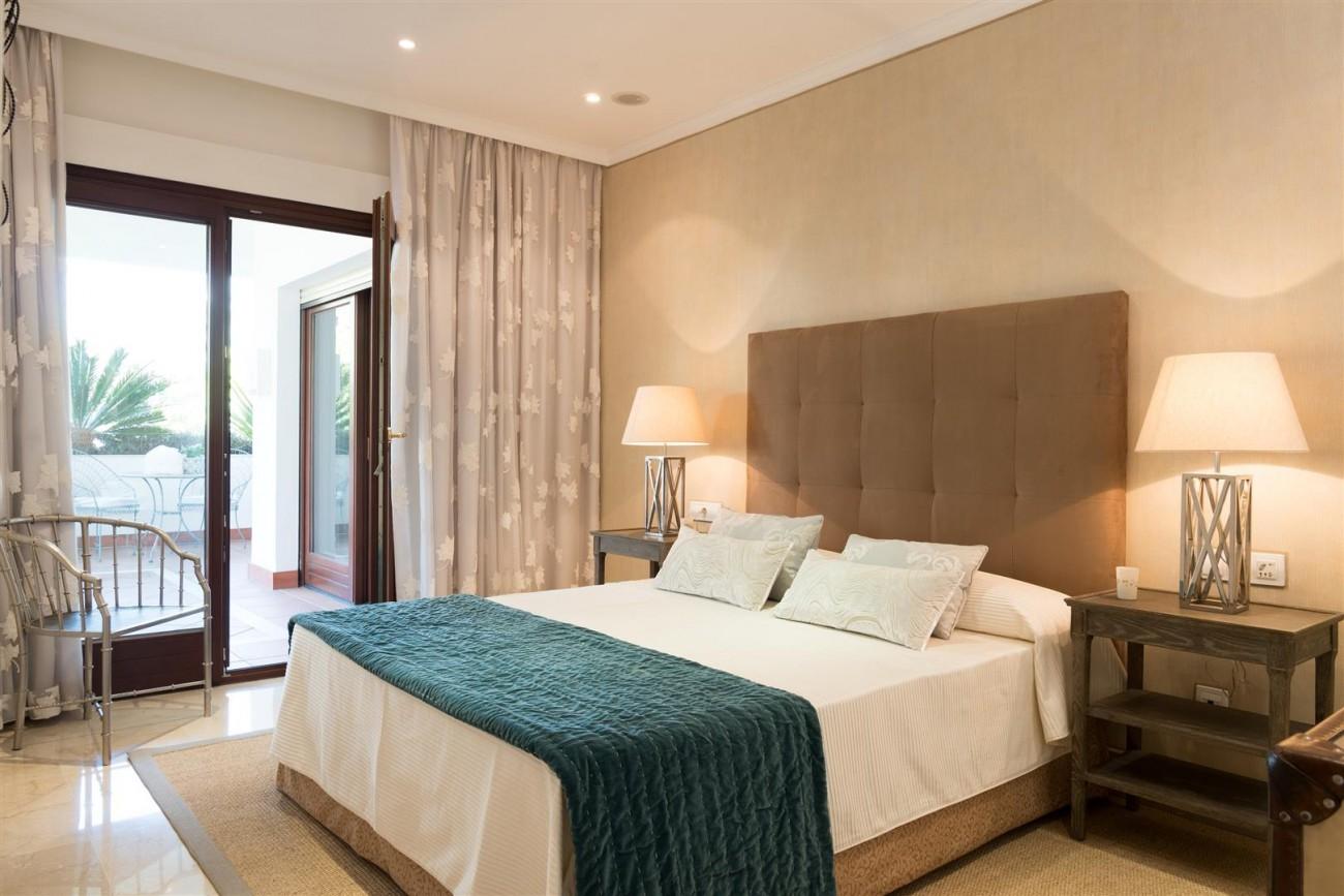 D3130 Luxury Apartment Marbella Golden Mile Spain (5)
