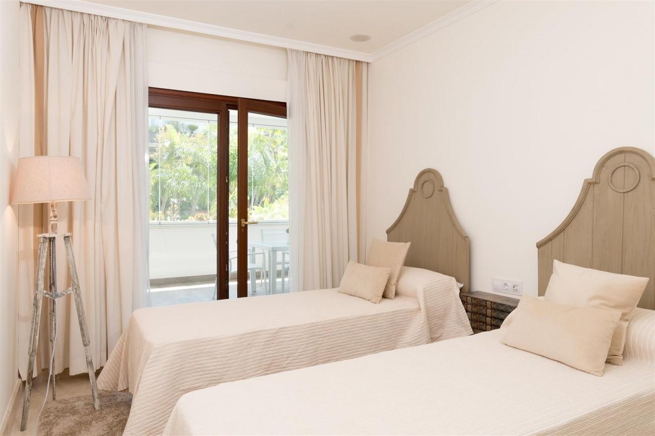 D3130 Luxury Apartment Marbella Golden Mile Spain (7)