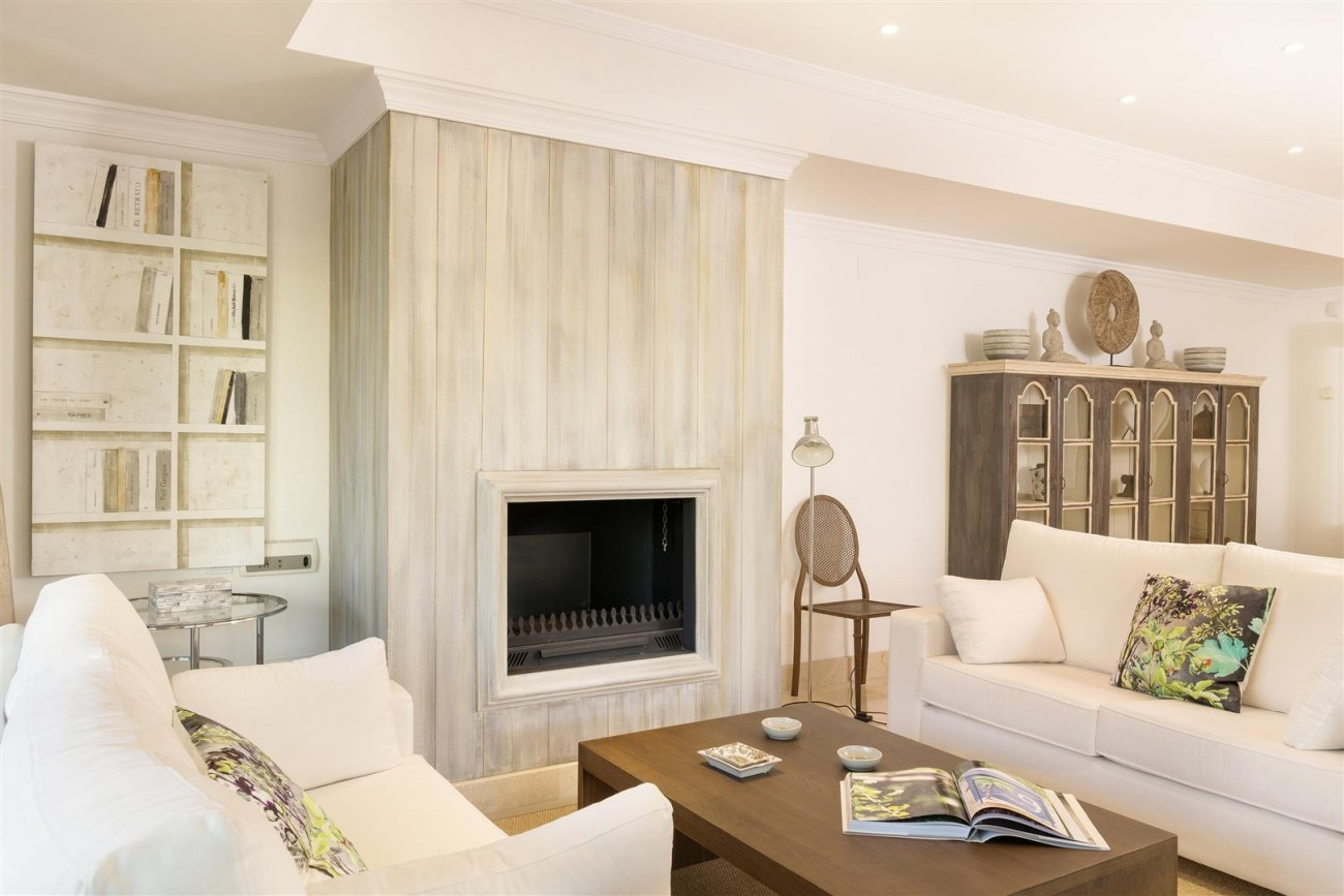 D3130 Luxury Apartment Marbella Golden Mile Spain (9)