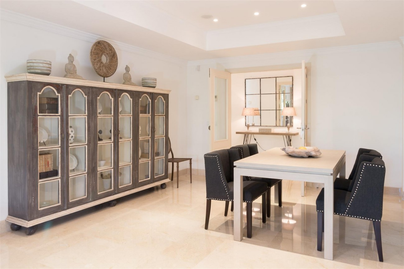 D3130 Luxury Apartment Marbella Golden Mile Spain (11)