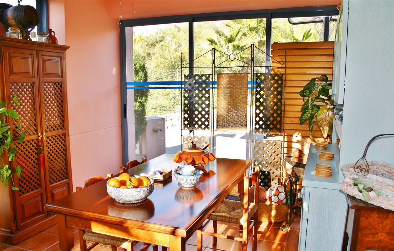Townhouse for sale Nueva Andalucia Marbella Spain (2) (Large)