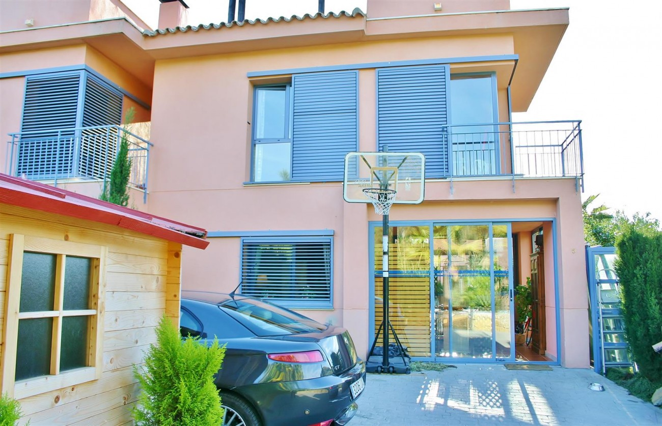 Townhouse for sale Nueva Andalucia Marbella Spain (4) (Large)