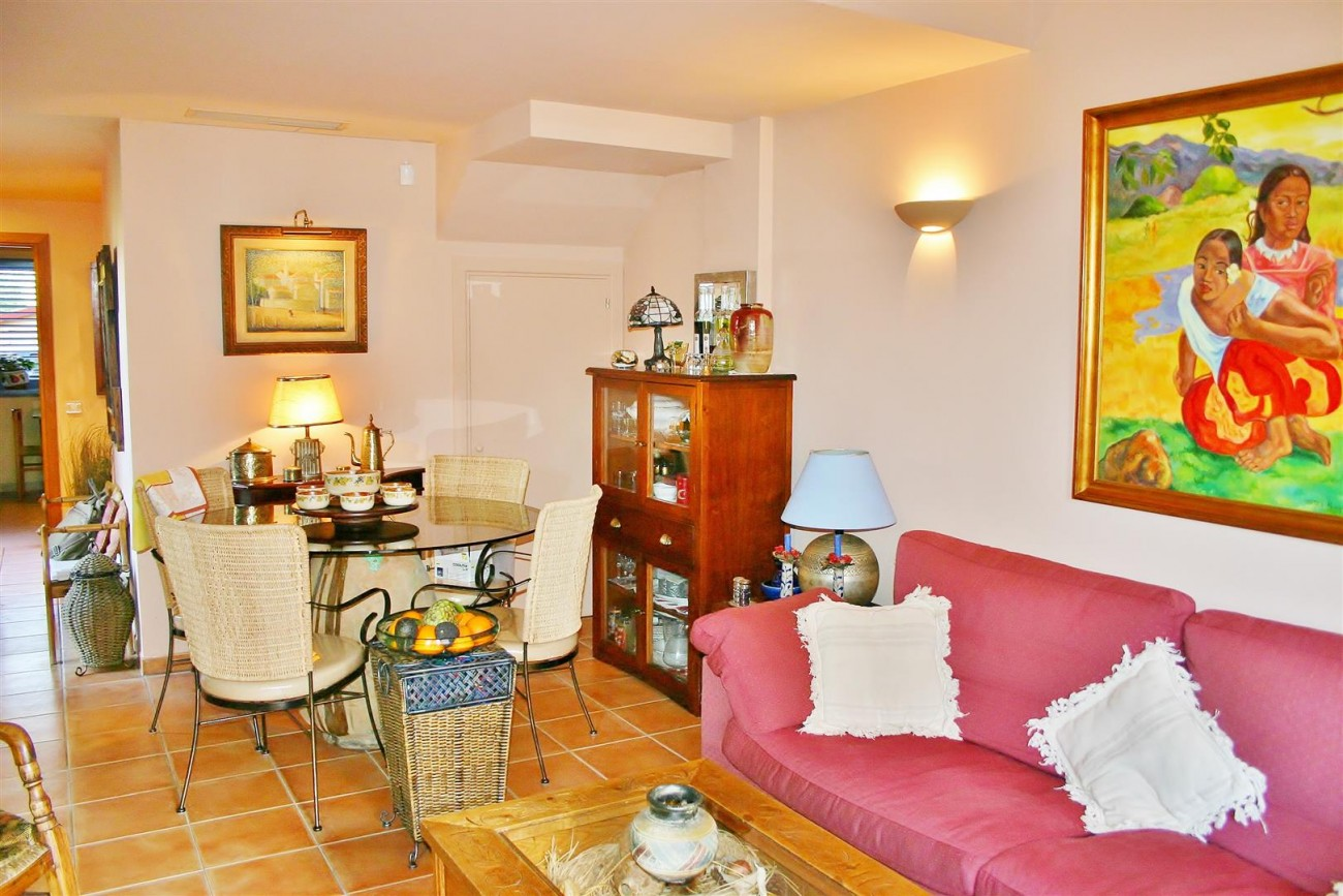 Townhouse for sale Nueva Andalucia Marbella Spain (6) (Large)