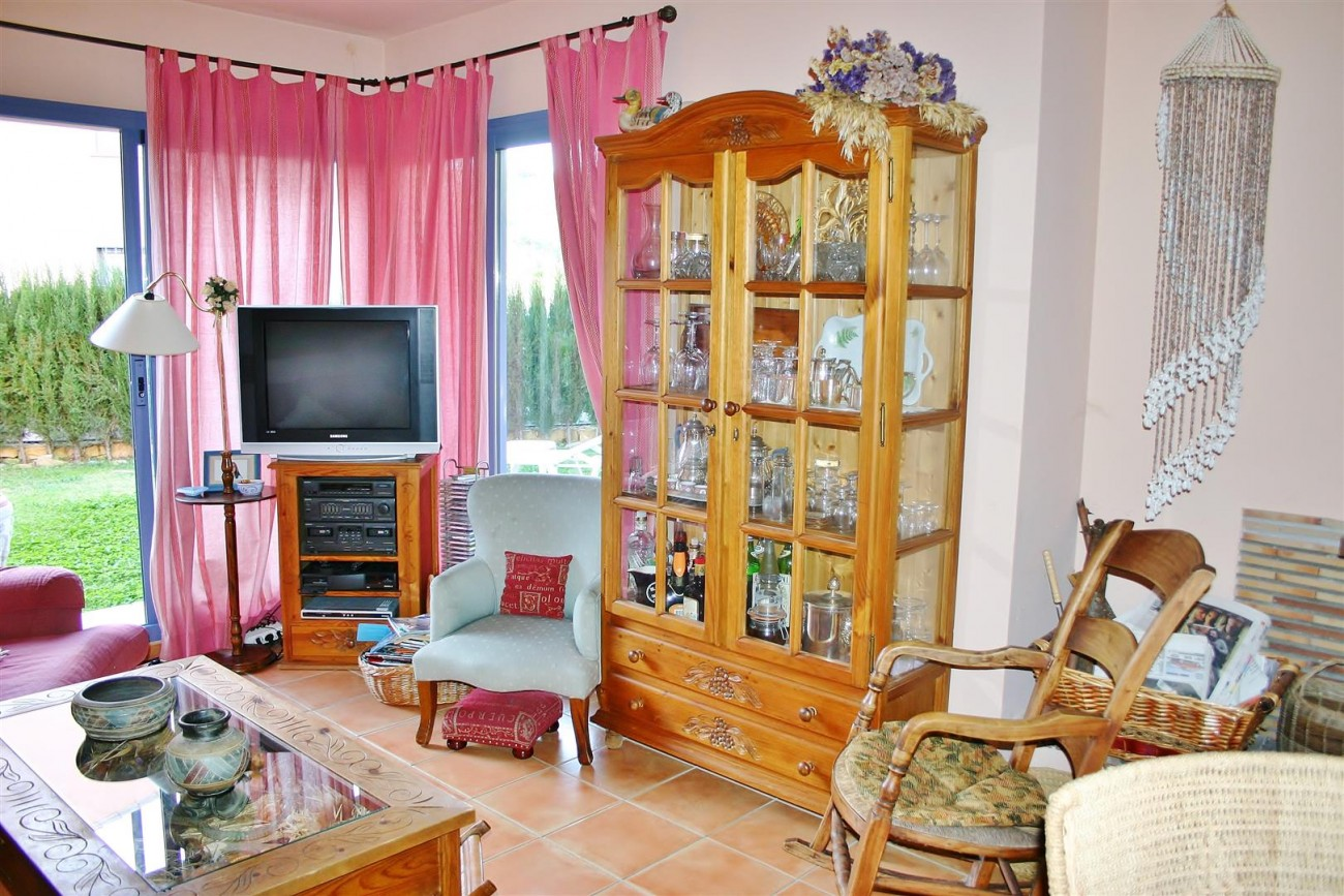 Townhouse for sale Nueva Andalucia Marbella Spain (13) (Large)