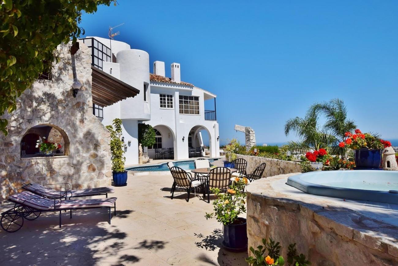 V3183 Villa Benahavis Spain (1) (Large)
