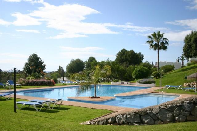 Apartment for Sale - 199.000€ - Nueva Andalucía, Costa del Sol - Ref: 3235