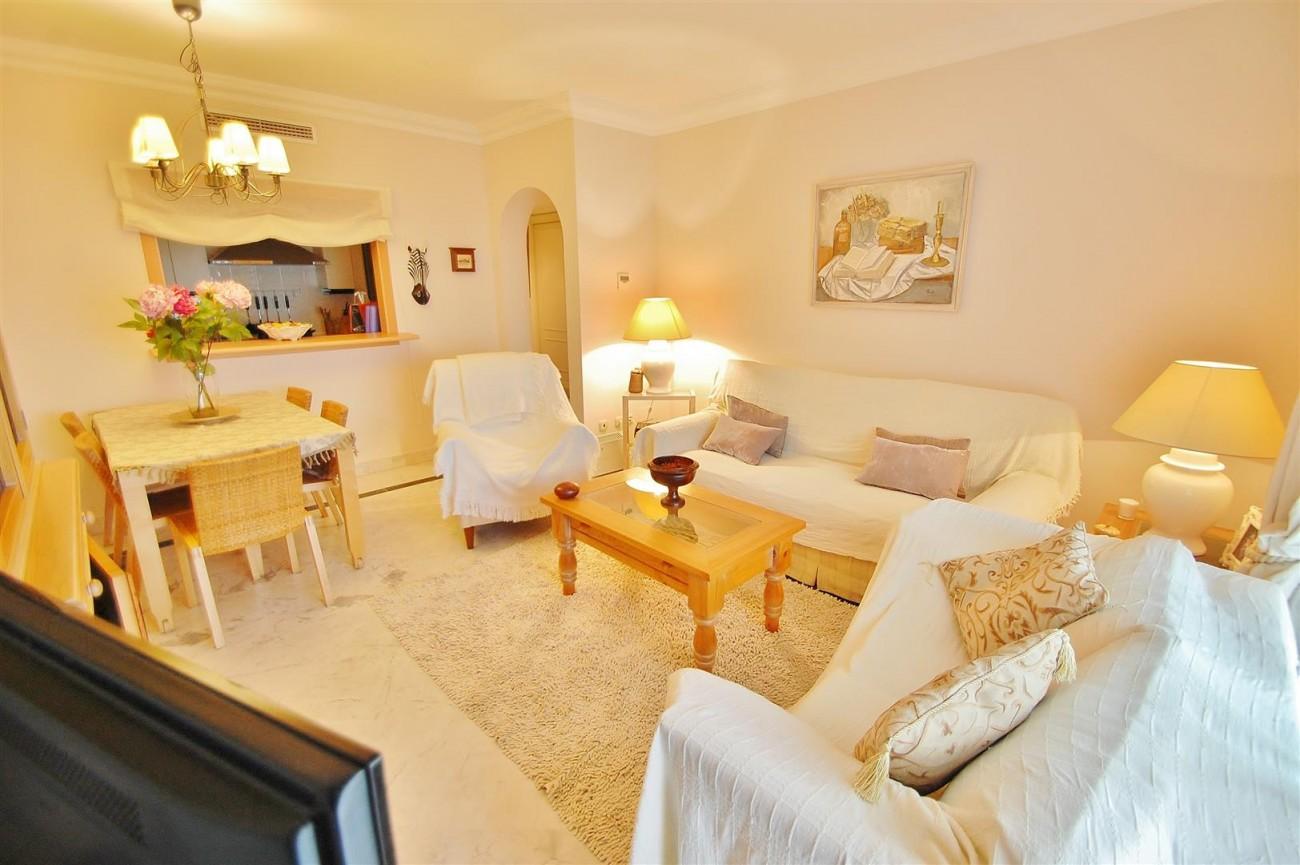 Beachside Apartment for sale Puerto Banus Marbella Spain (1) (Large)