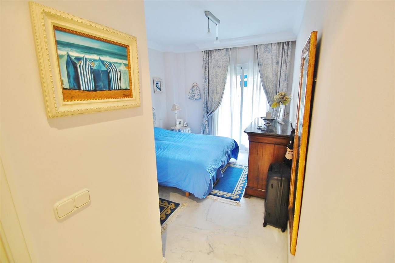 Beachside Apartment for sale Puerto Banus Marbella Spain (9) (Large)