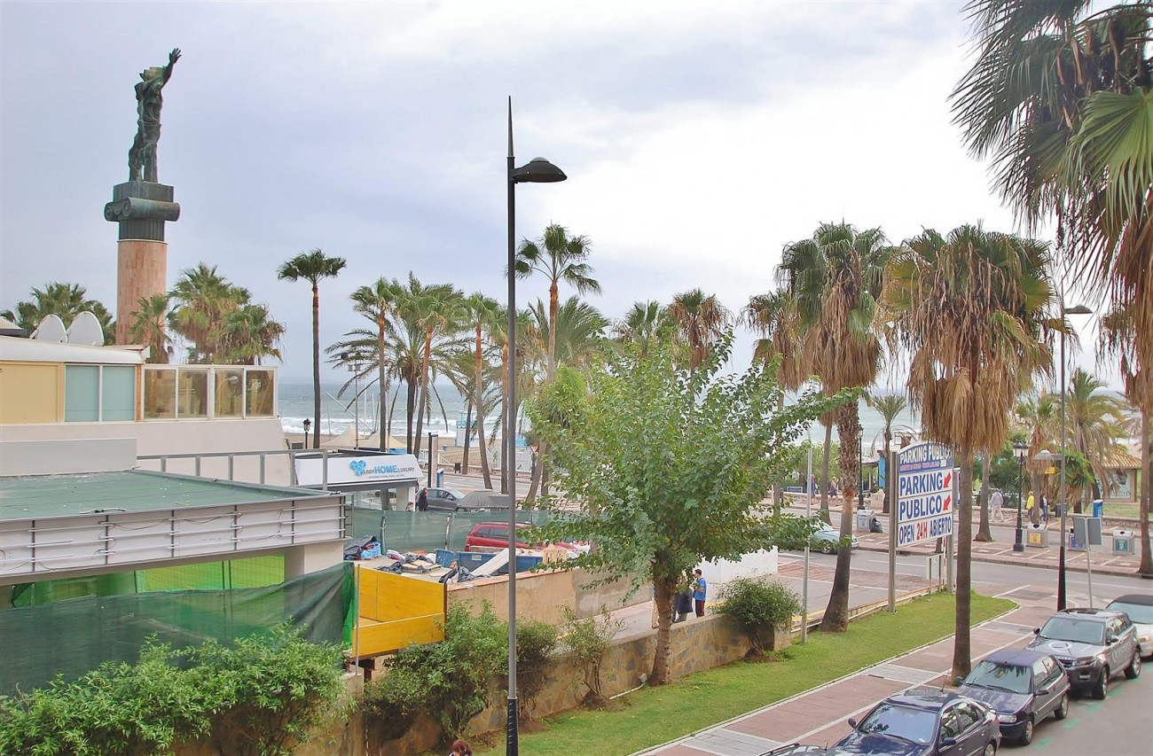 Beachside Apartment for sale Puerto Banus Marbella Spain (18) (Large)