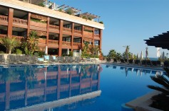 402777 - Aparthotel for sale in Puerto Banús, Marbella, Málaga, Spain