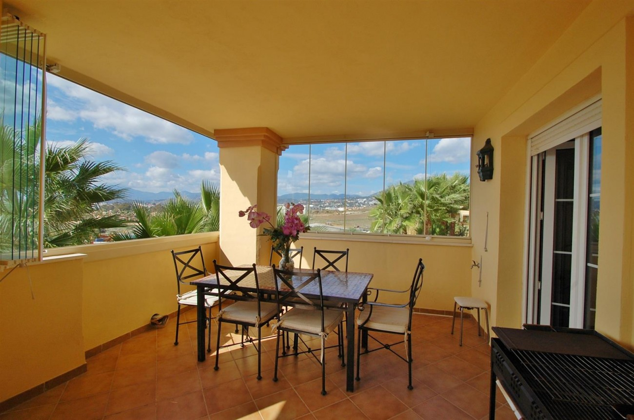 A3604 Beautiful Apartment in Nueva Andalucia Marbella (8) (Large)